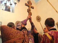 Воздвижение Честного и Животворящего Креста Господня молитвенно отметили в Вознесенском кафедральном соборе